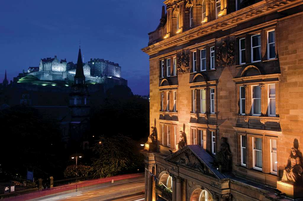 Some popular hotels in the city centre include the Balmoral, Chester Residence, the Glasshouse, Scotsman hotel,Waldorf Astoria, Radisson Blu and the Edinburgh Residence.  All these hotels are a short drive from Edinburgh city centre and Edinburgh's most notable golf courses and attractions.